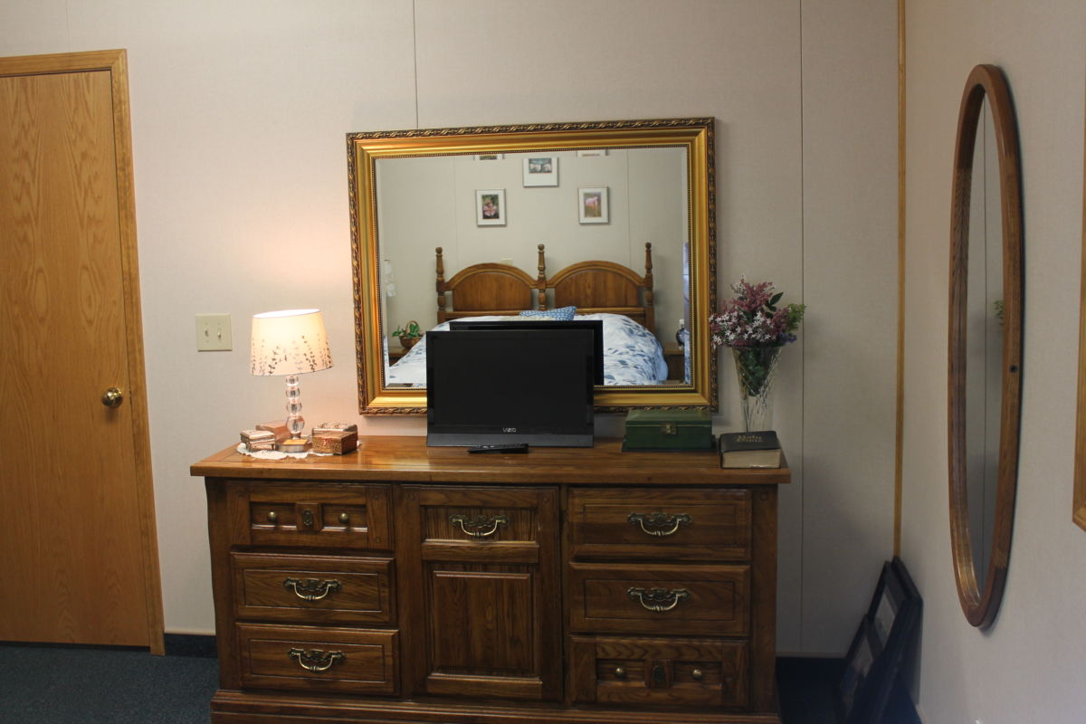 Kearney Assisted Living Bedroom
